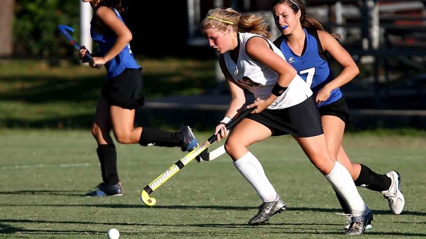 field-hockey-player-girls-game-163526.jpeg